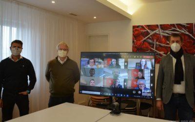 Gute Tat statt Weihnachtsfeier: MobiMedia Team spendet 5000 Euro